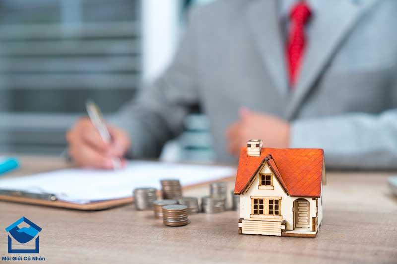 Việc đầu tư BĐS tiềm ẩn không ít rủi ro, đòi hỏi nhà đầu tư phải có tầm nhìn và sự am hiểu thị trường.